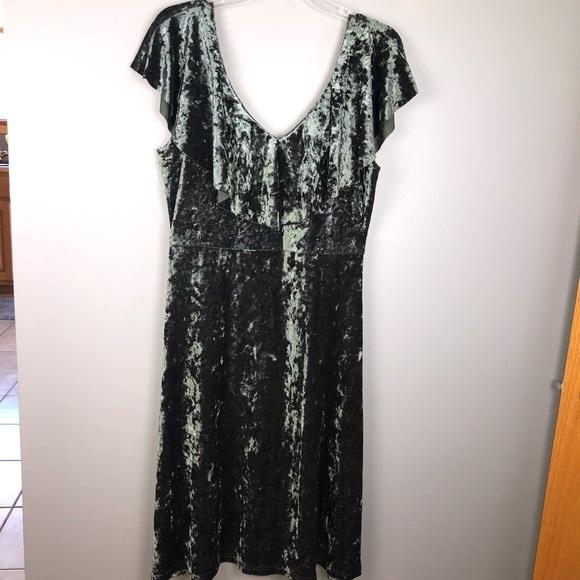 PPLA Dresses & Skirts - PPLA crushed velvet dress Size L